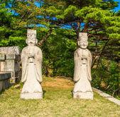 Tumba del rey imprimió, un mausoleo del siglo xiv, corea del norte — Foto de Stock