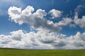 Paisaje de campo y nubes — Zdjęcie stockowe