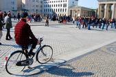 Man on bicycle — Stock Photo
