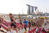 SINGAPORE - MARCH 1: Runners at Urbanathlon 2014 running with Me — Stok fotoğraf