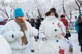 Novoroční soutěž sněhuláci — Stock fotografie