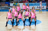 Girl cheerleading from the support team your favorite basketball team. — Stockfoto