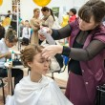 Girl in a beauty salon — Stock Photo #46724359