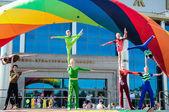 Giovani acrobati — Foto Stock
