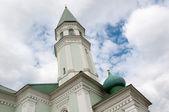 Mosque with minaret Husainiy in the city of Orenburg  — Stock Photo