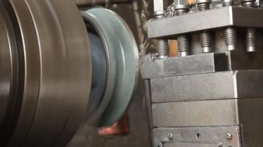 Machinist working a metal lathe — Stock Video