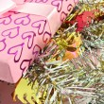 Gift box and decorative — Stock Photo #13883508