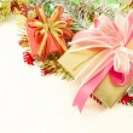 Christmas decoration and giftbox — Stock Photo #13964057