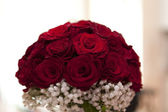 Gourgeous bouquet of red roses — Stock Photo