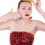 сексуальная женщина с вишней и фрукты, изолированные на белом фоне — Стоковое фото #27806717