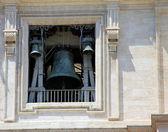 Les cloches de la basilique saint-pierre, vatican, — Photo