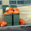 Green garbage cans — Stockfoto
