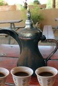 Arabic coffee pot and cups — Stock Photo
