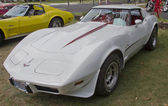 White 1977 Corvette side view — Stock Photo