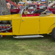 Side view of a 1932 yellow Ford Roadster — Stockfoto