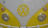 Yellow & White 1966 VW Camper Close up — Stock Photo