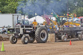 International Mr. Black Tractor pulling — Stock Photo
