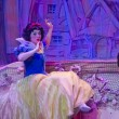 Pretty Snow White awake after Kiss by Prince — Foto Stock