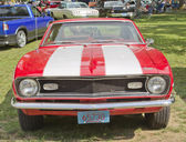 Red White Chevy Camaro 327 front view — Stock Photo