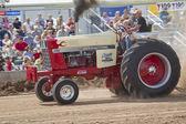 Uluslararası traktör çekme görünümünü kapat — Stok fotoğraf