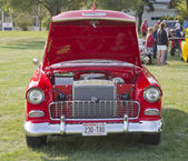 Red & White 1955 Chevy Bel Air Front view — Zdjęcie stockowe