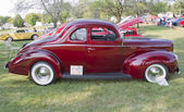 1940 Ford DeLuxe Side view — Stock Photo
