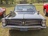 1963 Black Pontiac Bonneville Front View — Stock Photo