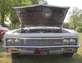 1966 Chevy Impala Front View — Stock Photo