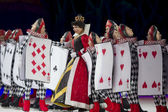 Queen of Hearts and Card Soldiers in Line — Stock Photo