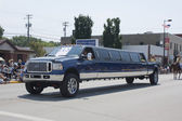 Ford F350 Stretch Limo Close up at Parade — Stock Photo