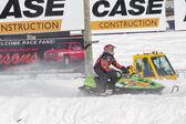 ライム グリーン北極猫スノ pro のスノーモービル レース — ストック写真