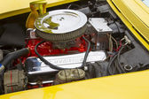 Yellow 1968 Chevy Corvette Roadster Engine — Stock Photo