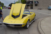 Jaune vue avant 1968 chevrolet corvette roadster — Photo