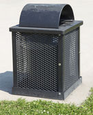 Square Green Garbage can in a Park — Foto Stock