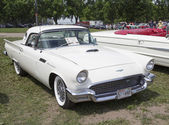 1957 White Ford Thunderbird Hardtop Convertible — Stock Photo