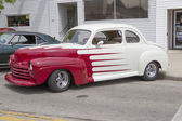 Vintage Red and White Ford Coupe Side View — Stock Photo