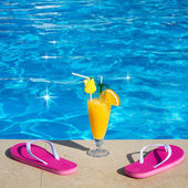 Pool, juice, cocktail. Summer vacation at beach. — Stock Photo