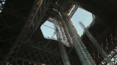 Shooting of the Eiffel Tower — Stock Video