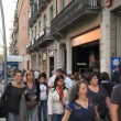Passers-by in Barcelona — Stock Video #28017233