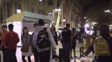 La calle comercial de barcelona — Vídeo de Stock