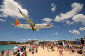 Airplanes landing over Maho Beach, ST Maarten — Stock Photo