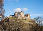 Kasteel van edinburgh op een zonnige dag — Stockfoto