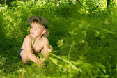 Surprised young small boy discovering nature — Stock Photo