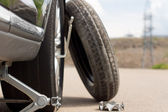 Changing a puncture — Stock Photo