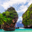 Long boat, rocks on Koh Hong — Stock Photo