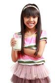 一杯牛奶的小亚洲女孩 — 图库照片