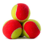 Three tennis balls on white — Stockfoto