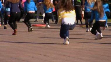 Girls dancing in public — Stock Video
