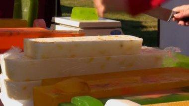 Ev yapımı sabun satan — Stok video