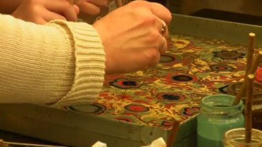 Art students practicing ebru — Stock Video